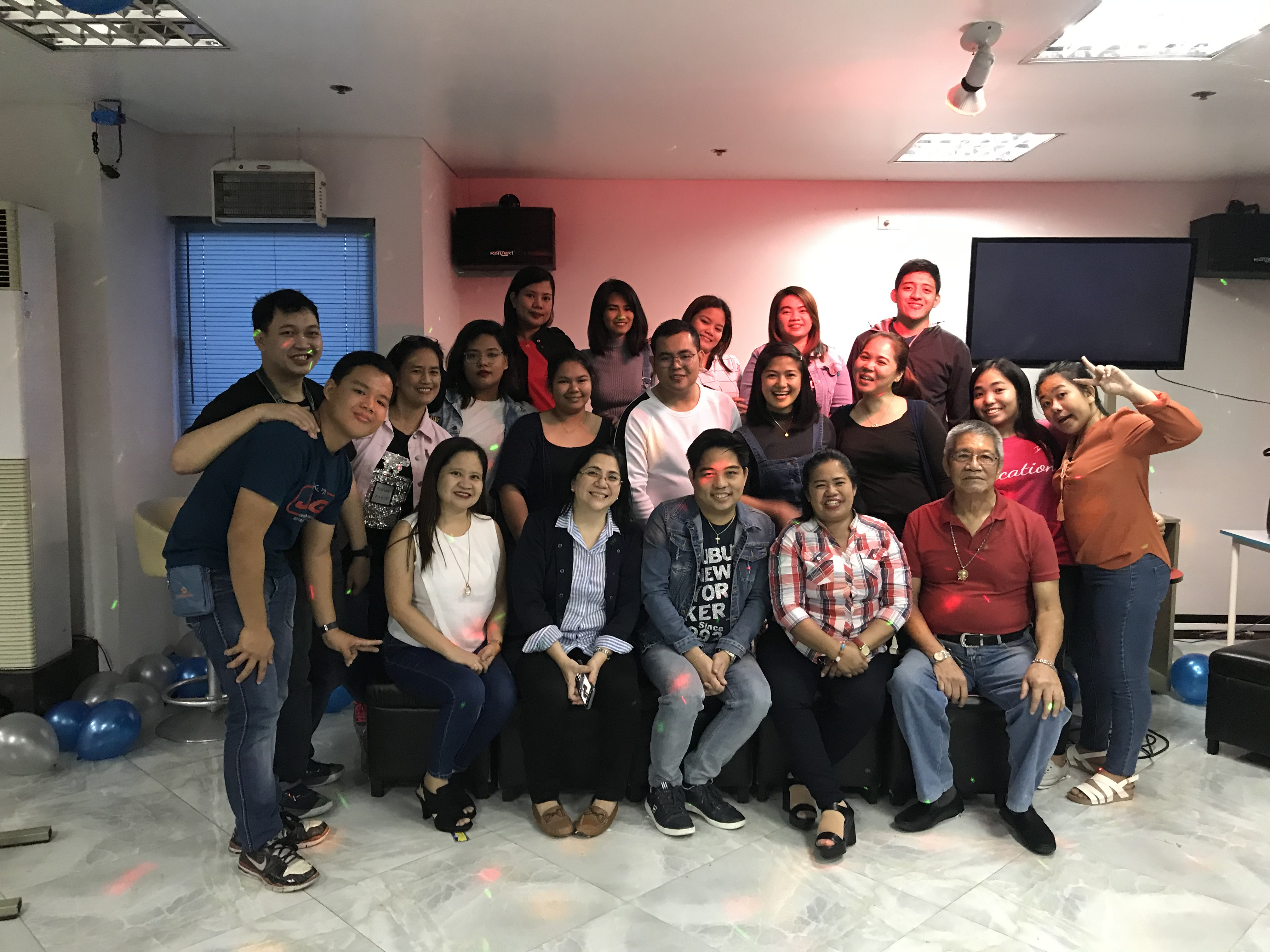 news-Olivarez College Graduate School Holds Christmas Party ?>